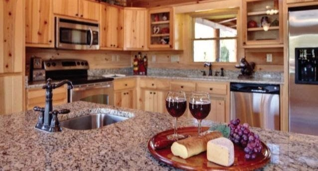 Blue Ridge Log Cabin kitchen